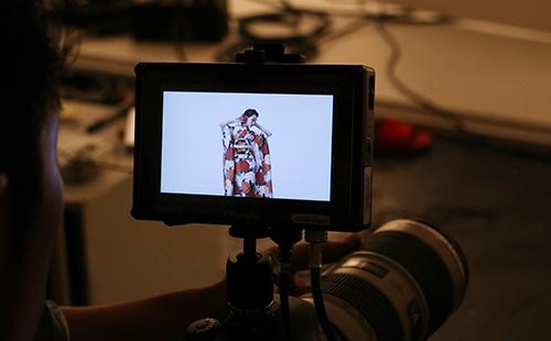 カメラ越しの着物モデルカット
