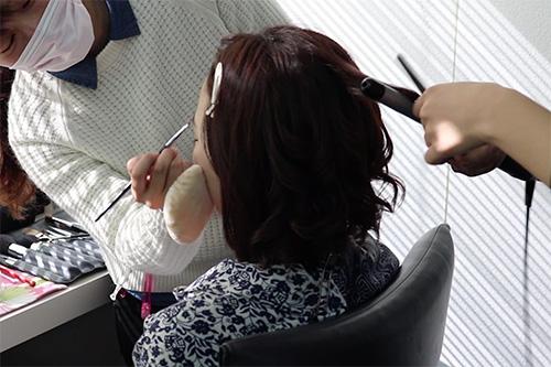 着物に似合うミディアムヘアスタイルの作り方01