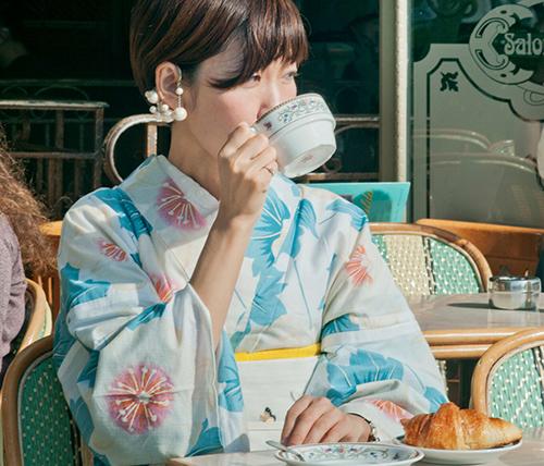 中村麻美 着物姿でパリ