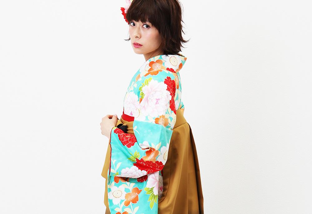 グリーンブルーに牡丹と桜の着物袴