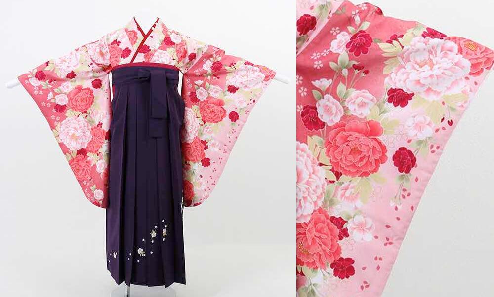 おすすめ卒業式袴(小学生用) レンタル | 濃淡ピンク地に桜と牡丹 刺繍入り濃紫袴_前姿