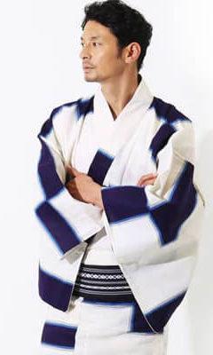 おすすめメンズ浴衣レンタル_白地に紺色の四角模様