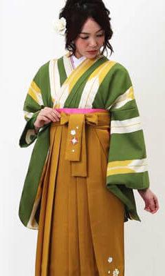 おすすめ卒業式袴レンタル_ウグイス色の矢絣(細) 山吹刺繍袴
