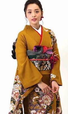 おすすめ振袖レンタル | 金茶色に紫の花 華やかな草花