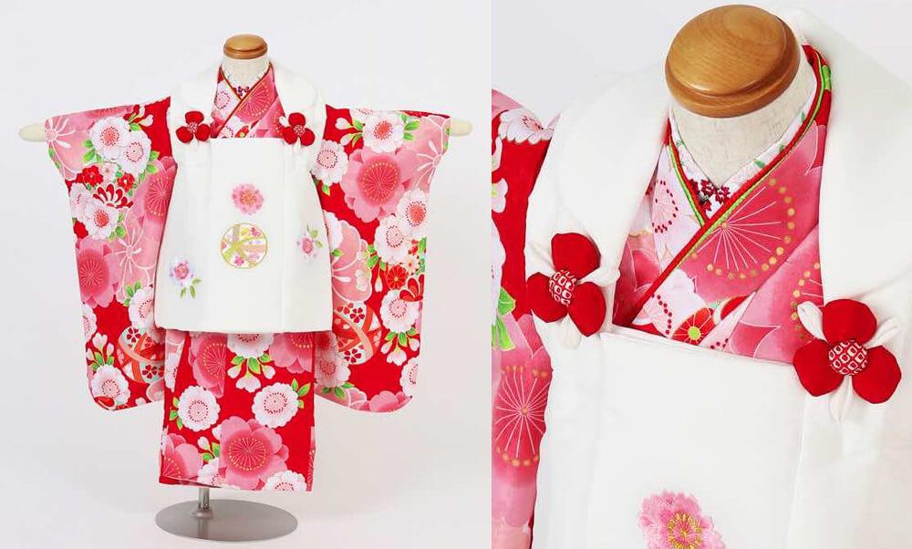 おすすめ七五三(三歳)レンタル | 鞠と花々・水色・赤・クリーム色_赤色とピンクの桜 白の被布