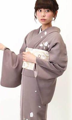 おすすめ訪問着レンタル | 正絹 銀煤竹色(ぎんすすたけいろ) 波文様 桜の花刺繍