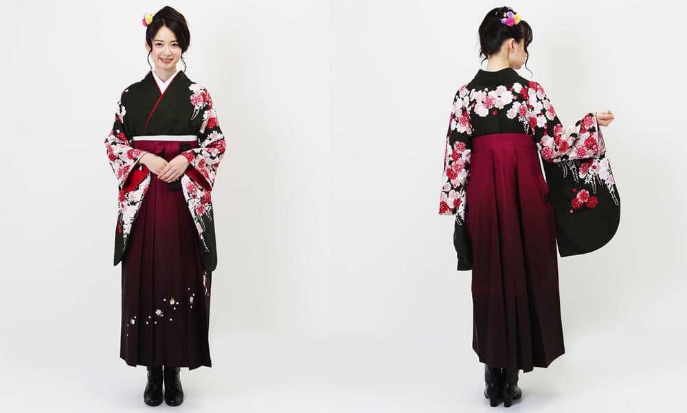 おすすめ卒業式袴レンタル | 深緑百花と桜ぼかし 黒地に臙脂の袴