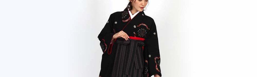 おすすめ卒業式袴レンタル | 黒地に梅と花びら 双葉ストライプ黒袴