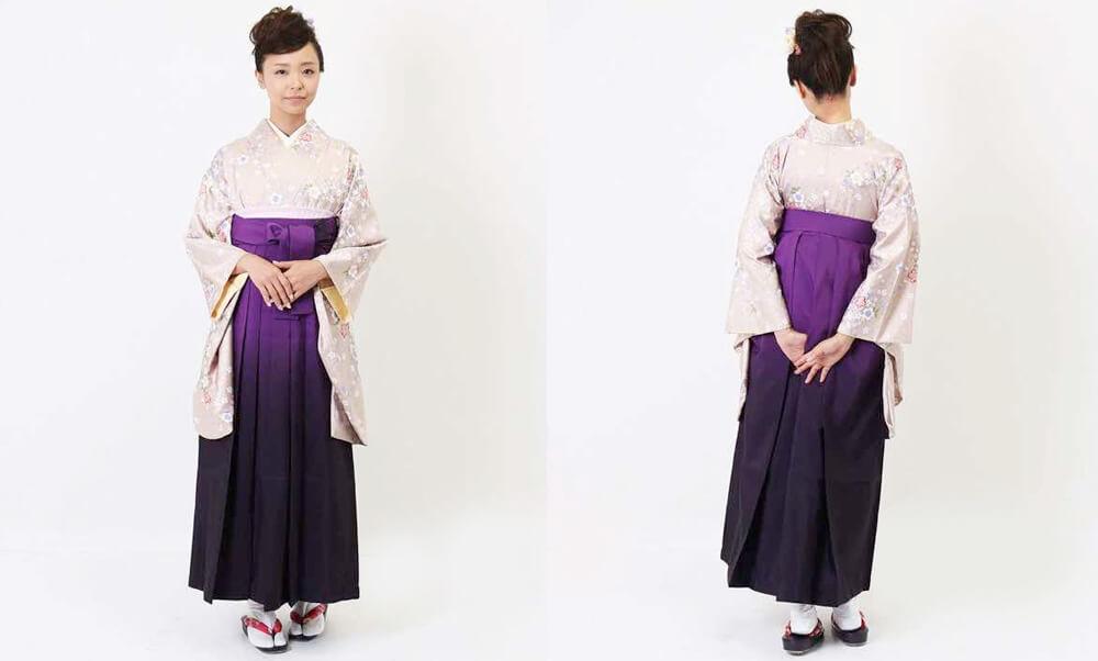 卒業式袴レンタル | 霞藤 四季花舞 グレージュと紫のコントラストが上品な袴スタイルです