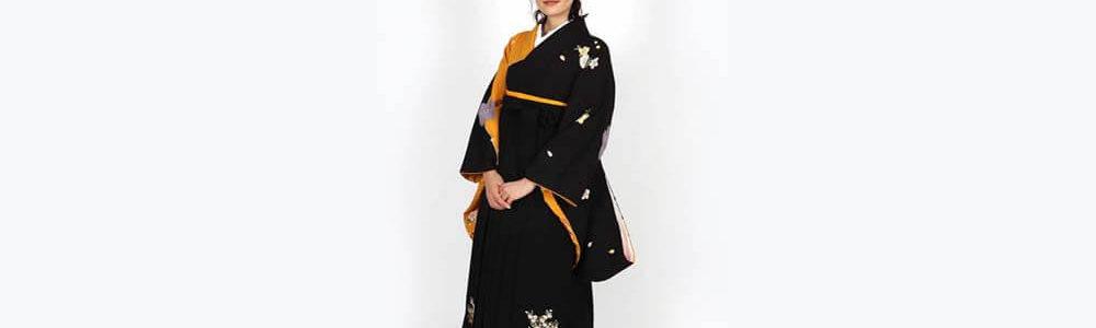 おすすめ卒業式袴レンタル | 黒×黄に桜 花と熨斗の黒袴